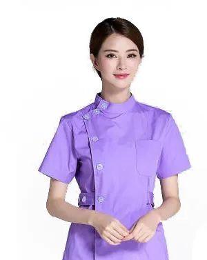 市内绝大部分医院产科和儿科护士服采用温馨可爱的粉红色调